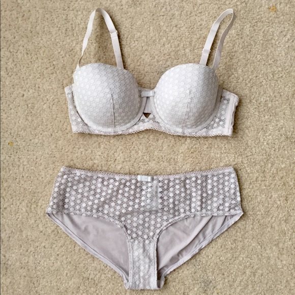 474fb0fc52 H M Other - H M Lace Bra and Panty Matching Set